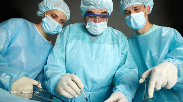 Doctors-Surgeons-Operate-Hospital