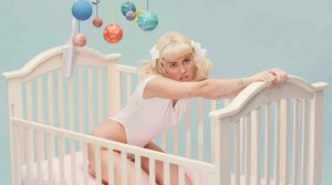 2048x1536-fit_miley-cyrus-clip-bb-talk-800x445