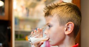 fluoridated_milk-1024x547