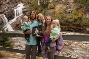 David-Stephan-family-by-waterfall