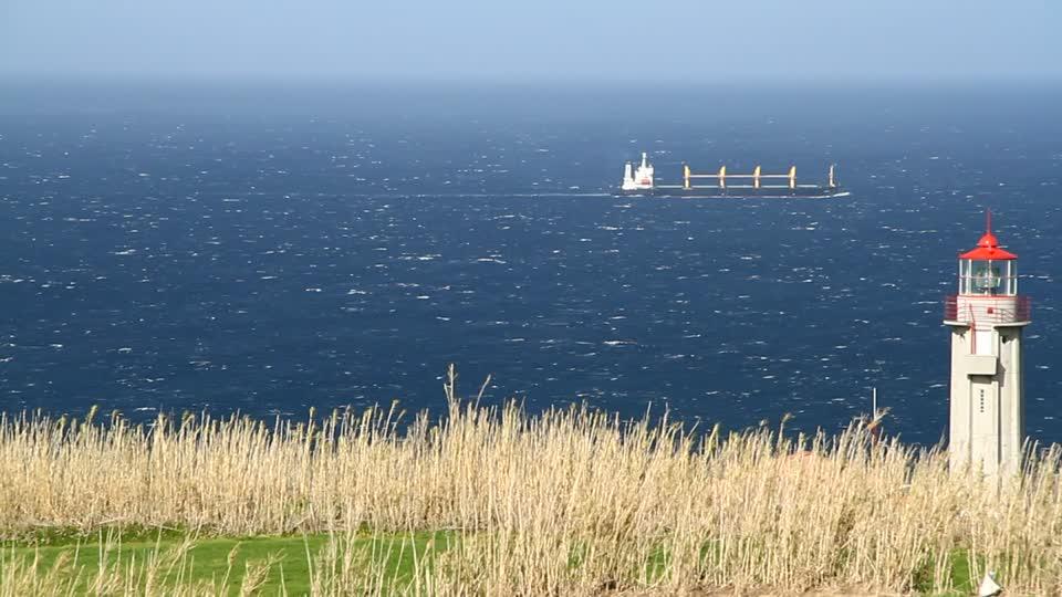 552023100-sao-miguel-island-lighthouse-horizon-over-water-steep-coast