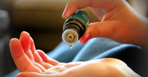 essential-oils-stop-cancer-in-its-tracks