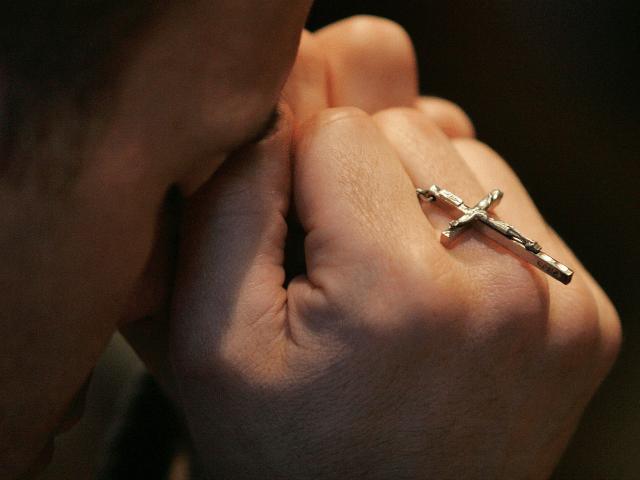 crucifix-640x480