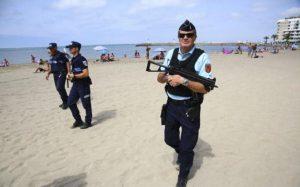 103762813_Armed-police-france-nice-terror-NEWS-large_trans++wIDN7SlmTId7TlLMT2d8-MFqj77jho2zYSzhPQ_2y2Y